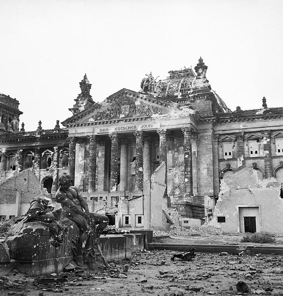 573px-Reichstag_after_the_allied_bombing_of_Berlin